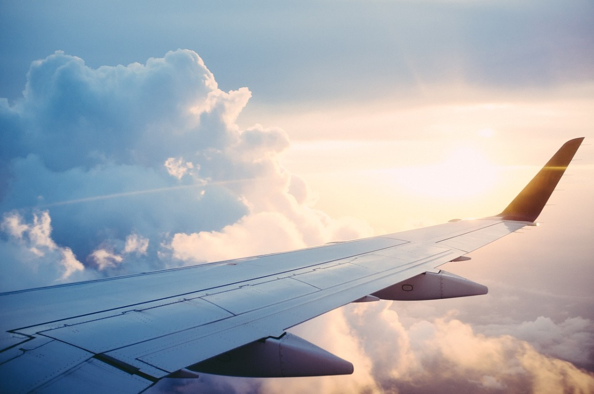 Avion, avion, ia-mă și pe mine-n zbor...
