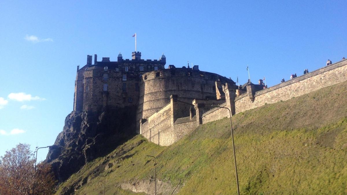 Despre un weekend la Edinburgh, dureri de spate și normalitate